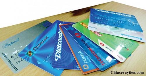 Thẻ ATM là gì ? Biểu Phí rút tiền ATM Mới Nhất Tháng 4/2020