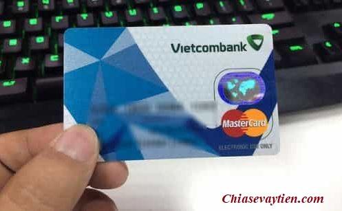 Phí rút tiền tại cây ATM thẻ ghi nợ quốc tế Vietcombank